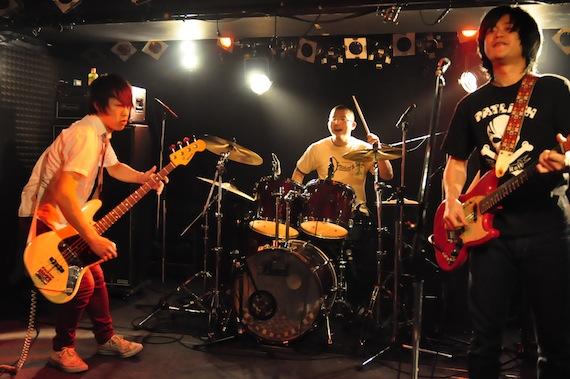 2011大晦日CAVE BE.JPG